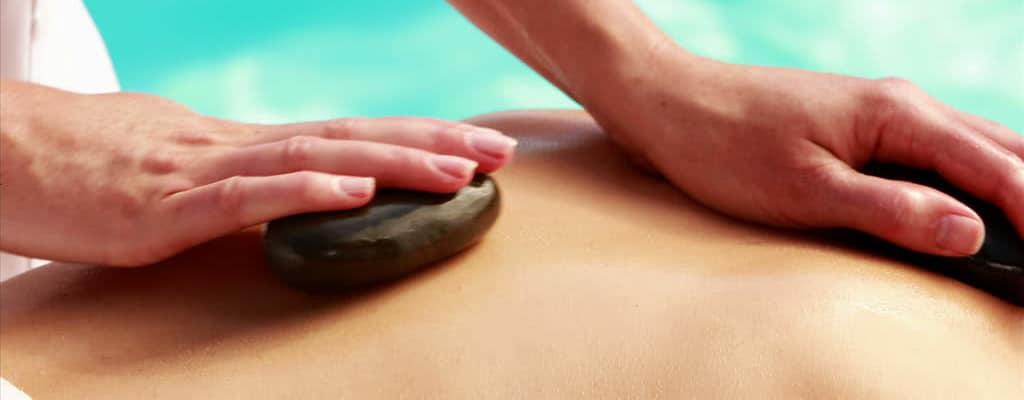 Thajská masáž s horkými kameny